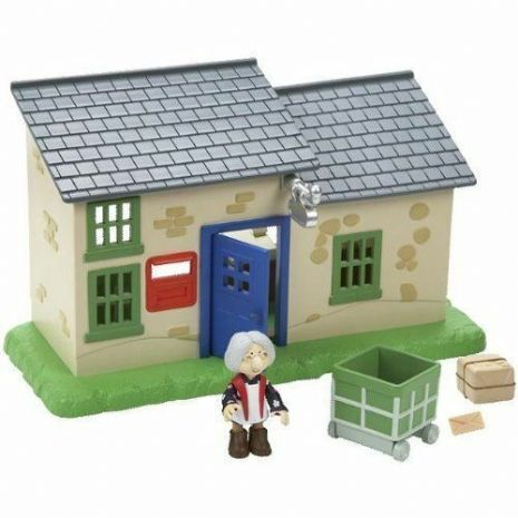 Postman Pat - GREENDALE POST OFFICE - With Mrs Goggins FIGURE - SDS - NEW